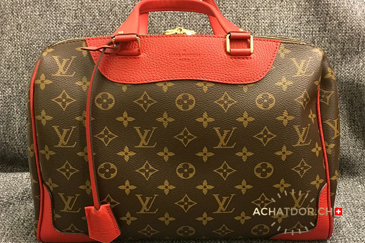 Purchase and sale of luxury accessories & leather goods